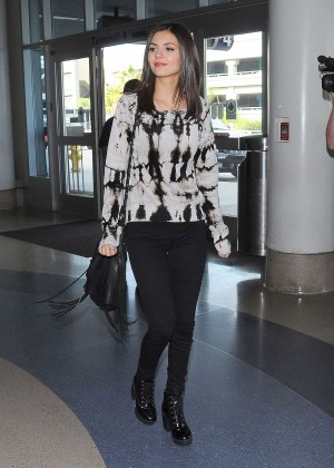 Victoria Justice - Arrives at LAX Airport in LA
