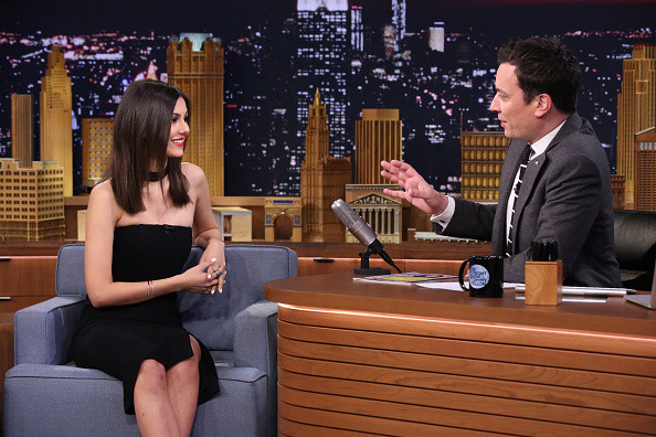 Victoria justice the tonight show starring jimmy fallon for Jimmy fallon miley cyrus islands in the stream