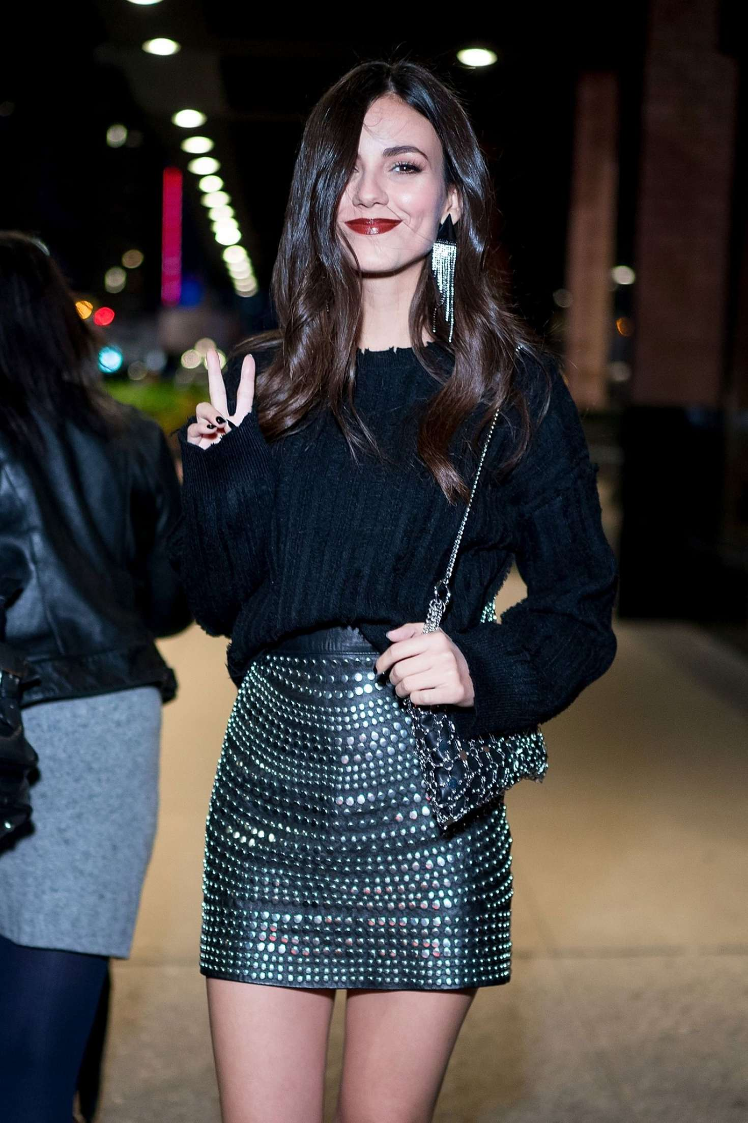 Victoria Justice in Mini Skirt – Out in New York