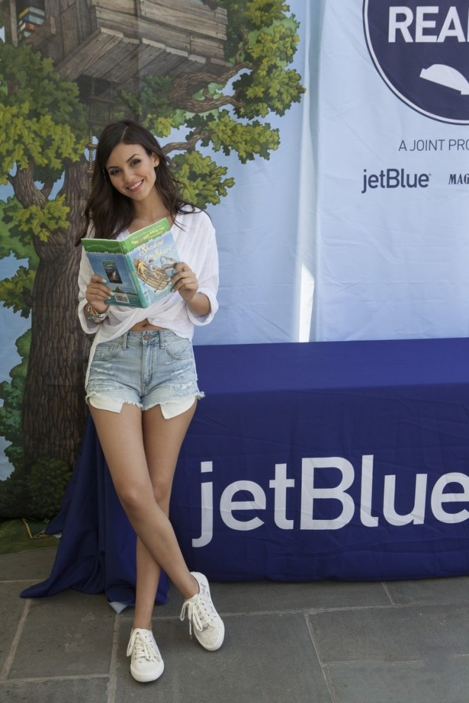 Victoria Justice - JetBlue Soar With Reading Event in Brooklyn