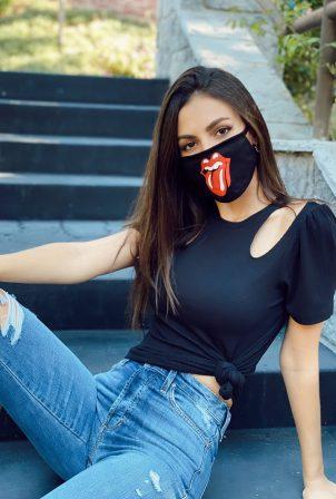 Victoria Justice - New social media