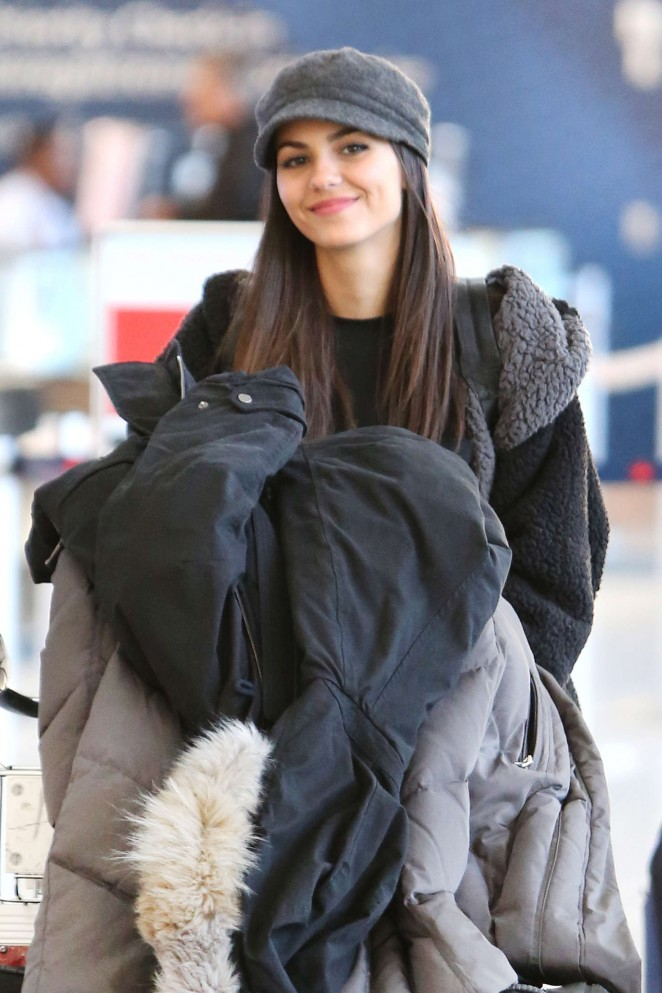 Victoria Justice - Pearson International Airport in Toronto