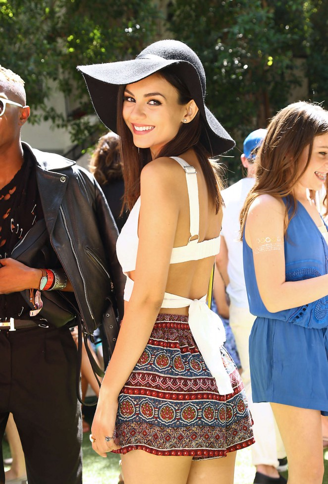 Victoria Justice - People StyleWatch & REVOLVE Fashion and Festival Event in Palm Springs