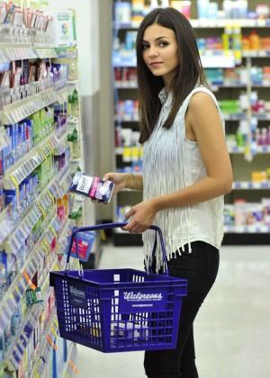 Victoria Justice - Shopping at Walgreens