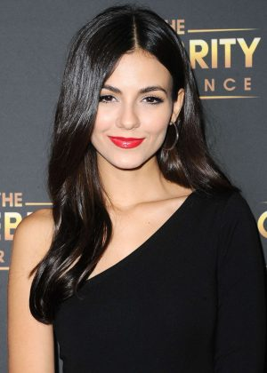 Victoria Justice - The Celebrity Experience in Universal City