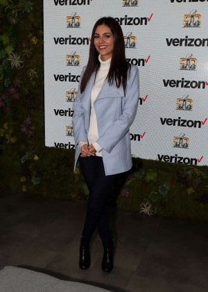Victoria Justice - Verizon Booth at Superbowl City in San Fransisco