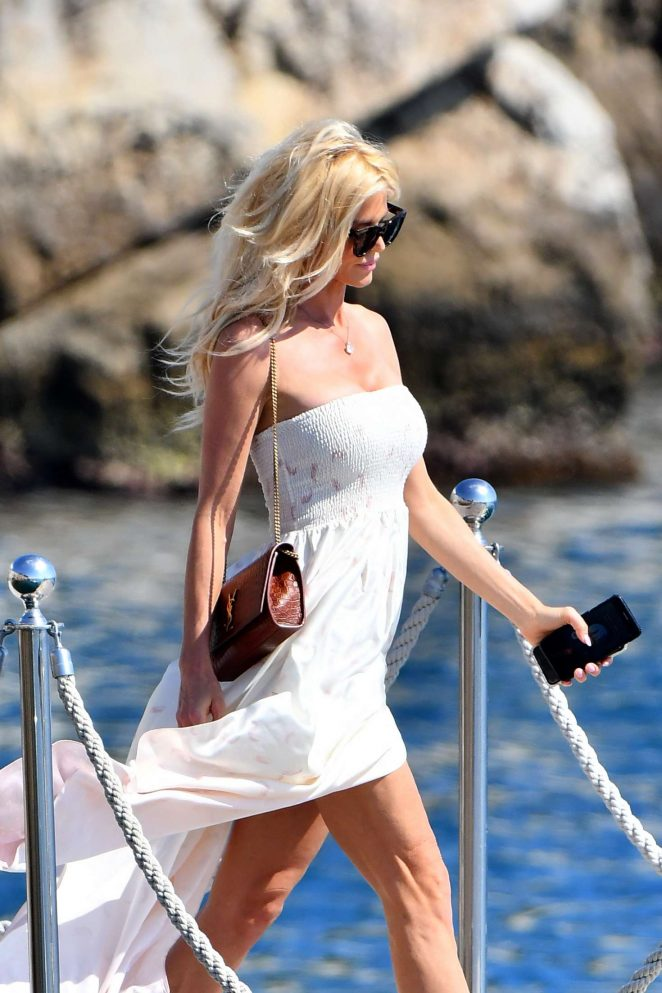 Victoria Silvstedt - Arrives at Cap-Eden-Roc Hotel in Cannes