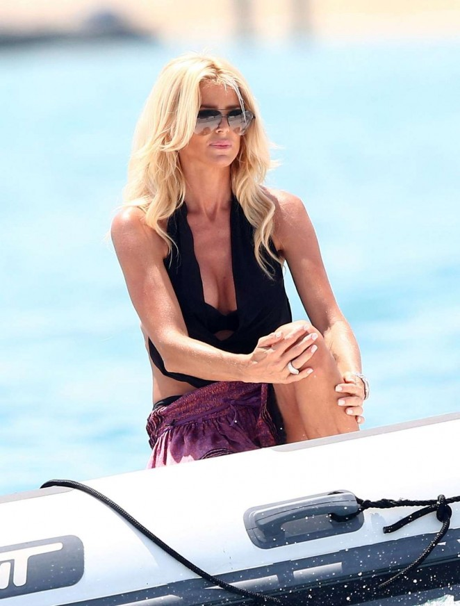 Victoria Silvstedt in Mini Skirt at Club 55 in Saint-Tropez