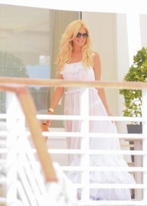 Victoria Silvstedt at Restaurant Du Cap Eden Roc in Cannes