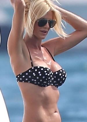 Victoria Silvstedt in Bikini -01