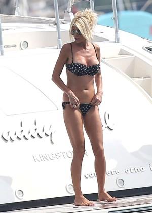 Victoria Silvstedt in Bikini -08