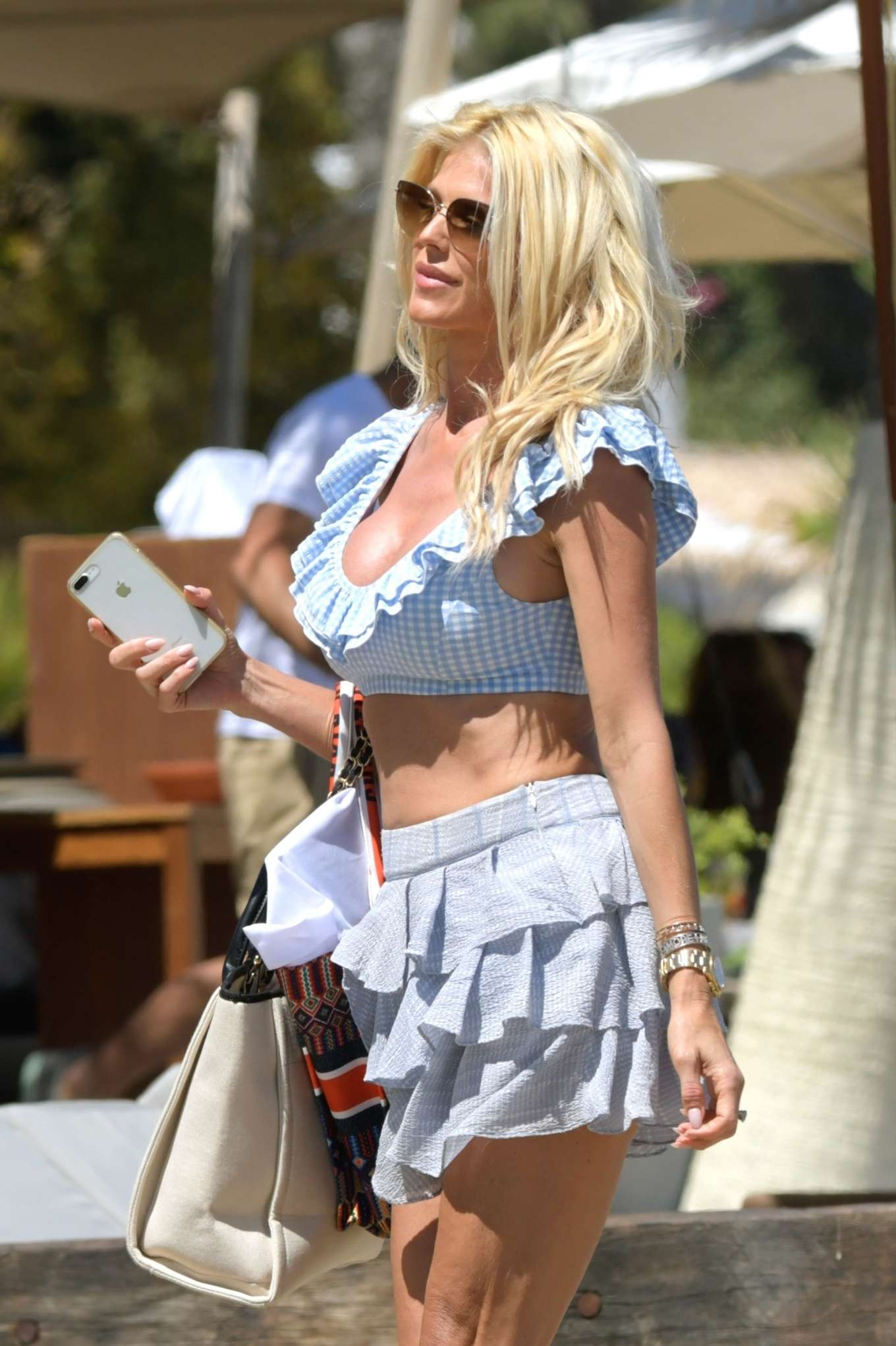 victoria-silvstedt-doll