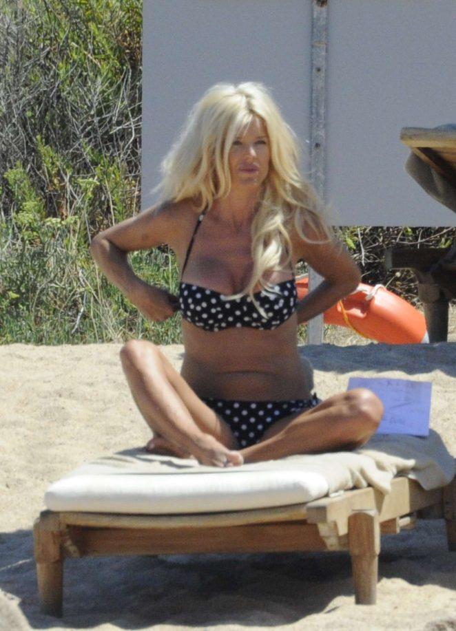 Victoria Silvstedt in Bikini 2016 -05