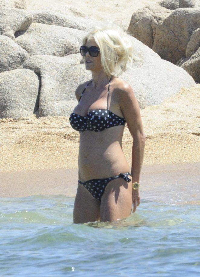Victoria Silvstedt in Bikini 2016 -44