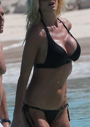 photos gallery victoria silvstedt black bikini .