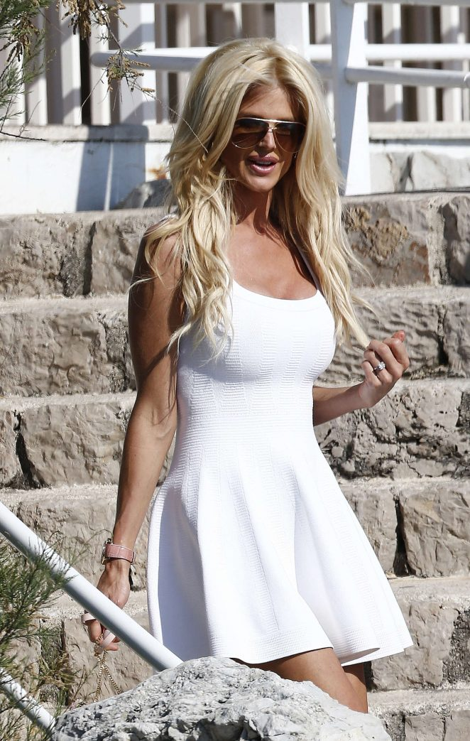 Victoria Silvstedt in White Dress at Eden Roc Hotel in Antibes