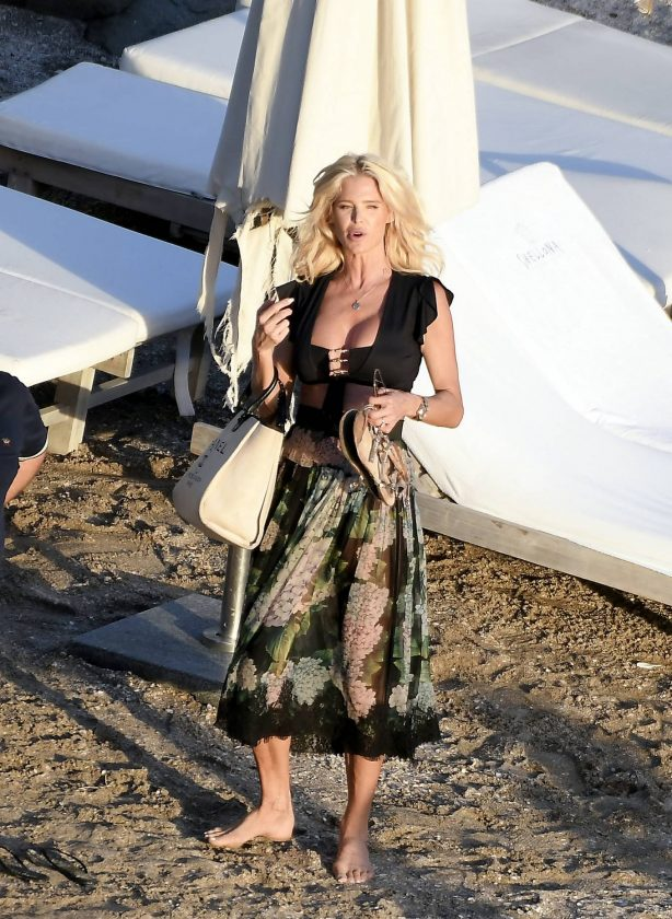 Victoria Silvstedt - Is seen at the beach in St. Barts