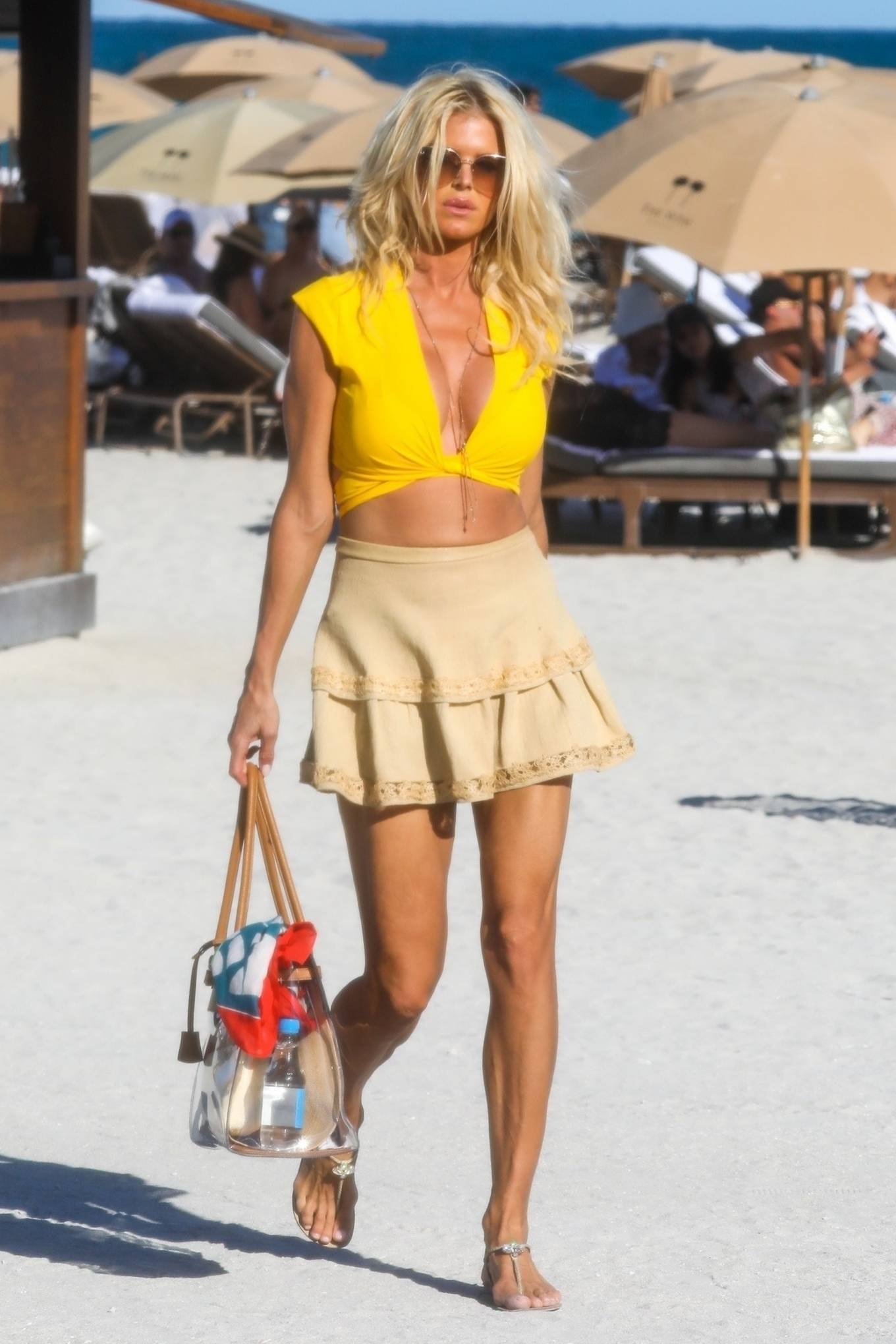 Victoria Silvstedt - Seen on the beach in Miami