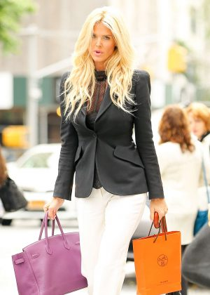 Victoria Silvstedt Shopping at Hermes in New York City