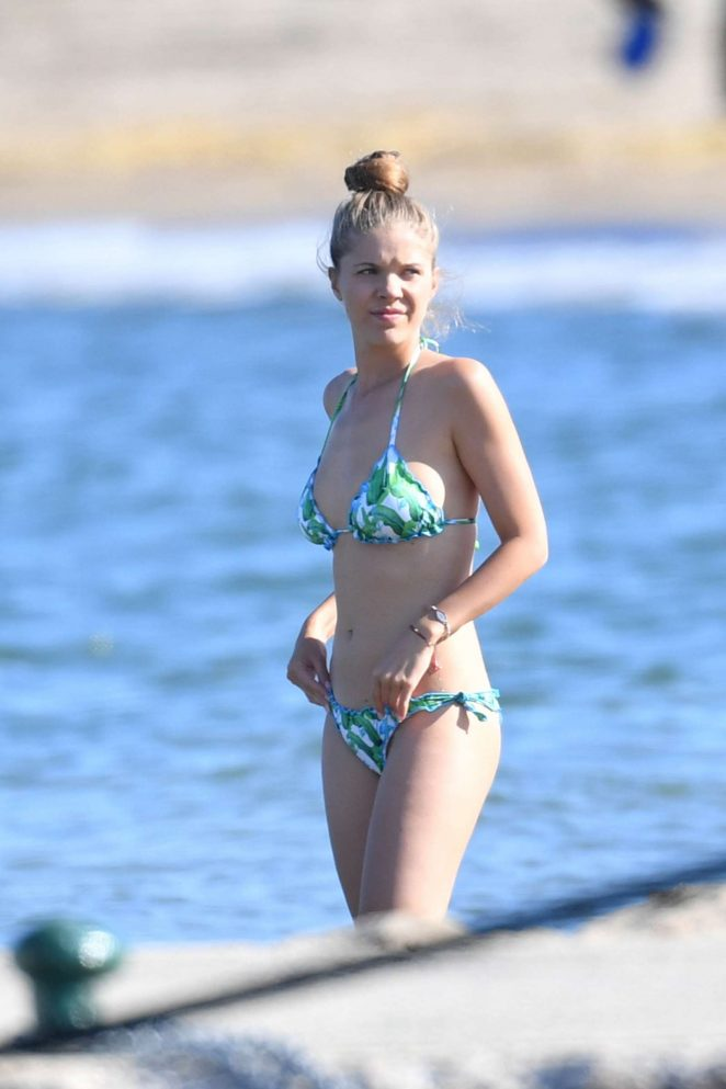 Victoria Swarovski in Bikini 2017 -40