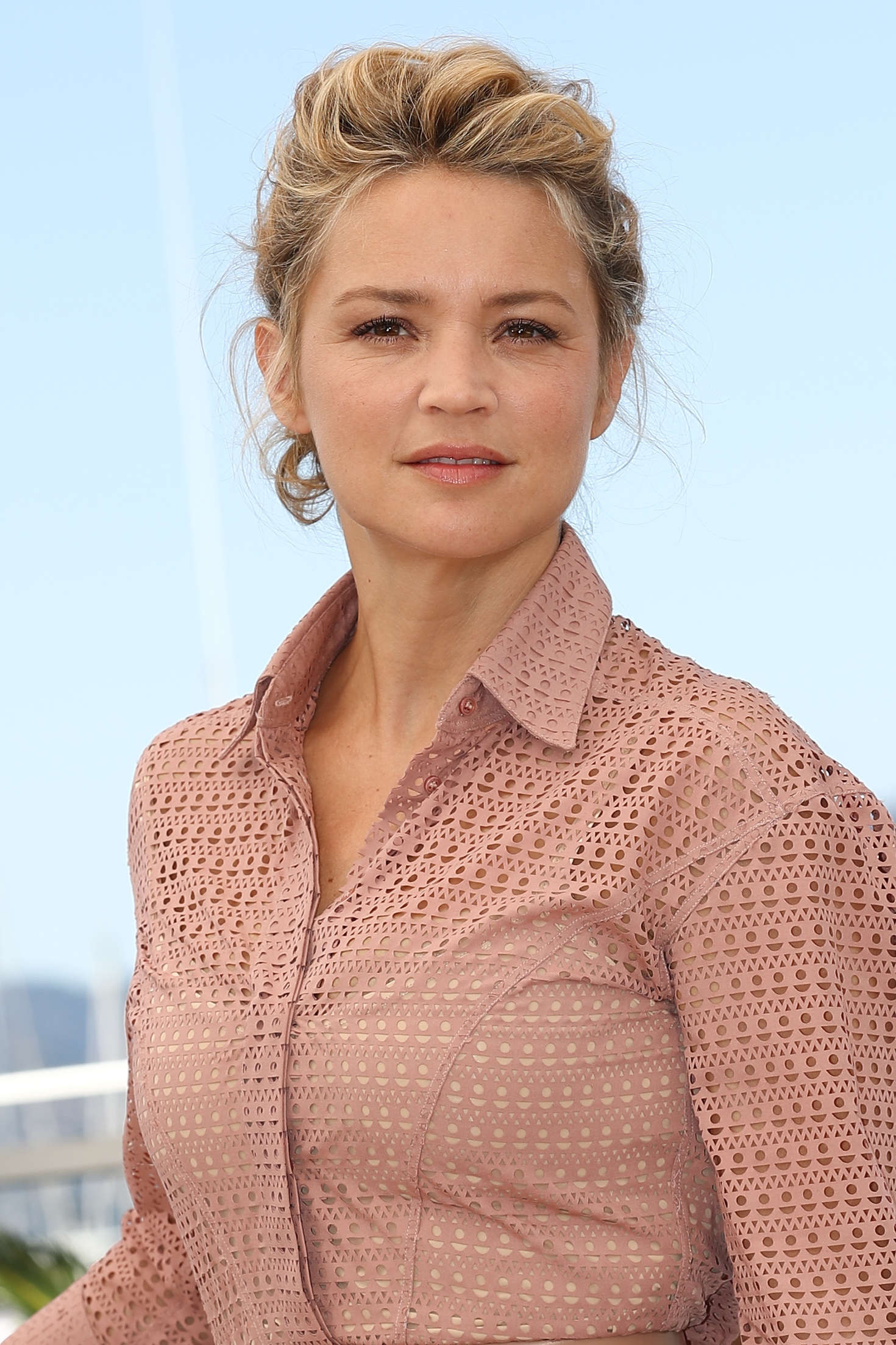 virginie efira  elle photocall at 2016 cannes film