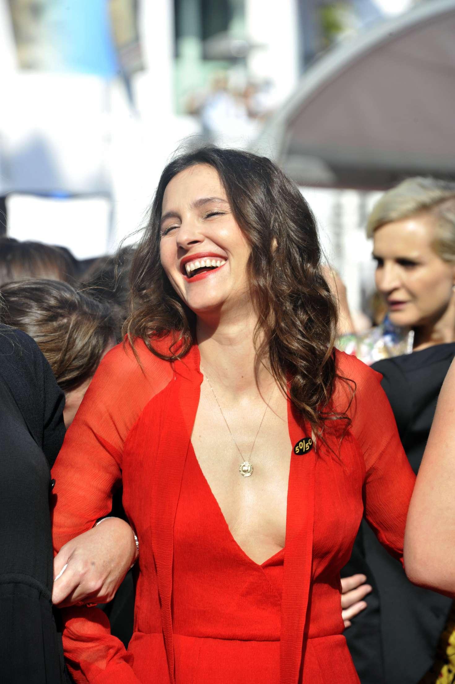 http://www.gotceleb.com/wp-content/uploads/photos/virginie-ledoyen/girls-of-the-sun-premiere-at-2018-cannes-film-festival/Virginie-Ledoyen:-Girls-Of-The-Sun-Premiere-at-2018-Cannes-Film-Festival--03.jpg