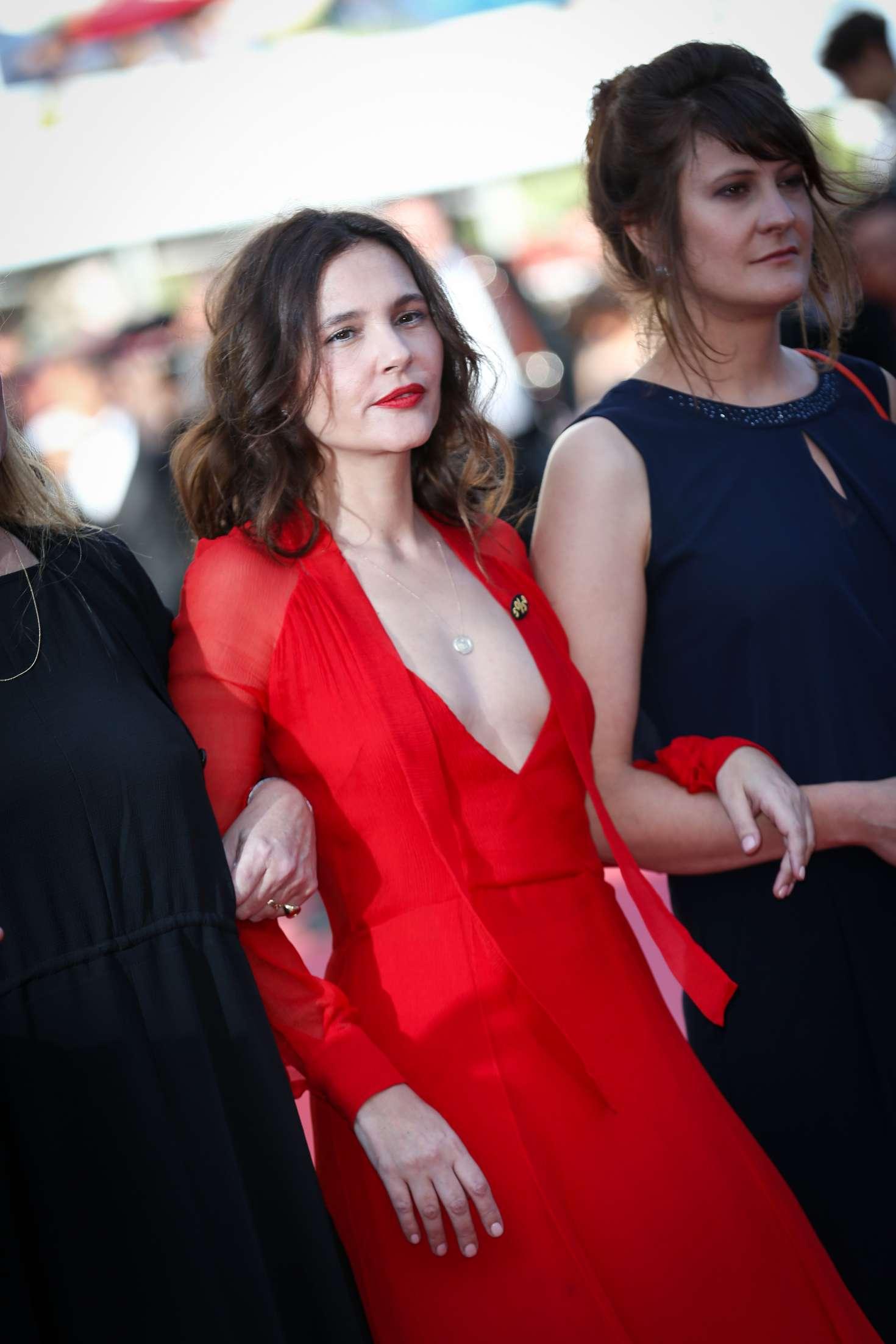 http://www.gotceleb.com/wp-content/uploads/photos/virginie-ledoyen/girls-of-the-sun-premiere-at-2018-cannes-film-festival/Virginie-Ledoyen:-Girls-Of-The-Sun-Premiere-at-2018-Cannes-Film-Festival--05.jpg