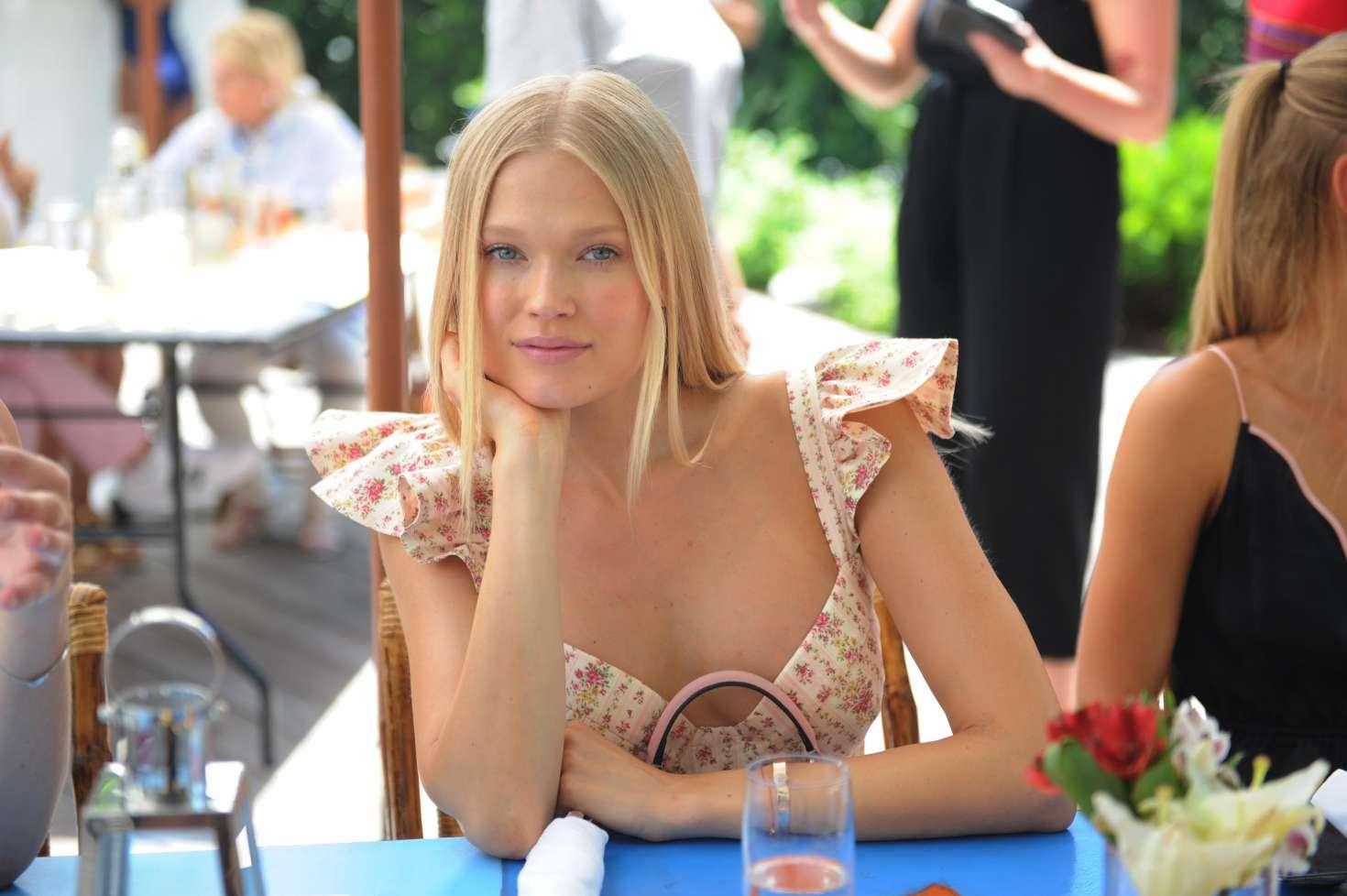 Vita Sidorkina - Fashion Fair Host Sports Illustrated Brunch in Miami
