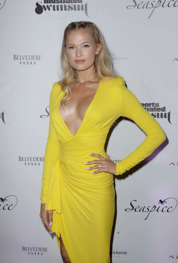 Vita Sidorkina - Sports Illustrated Swimsuit 2019 Issue Launch in Miami