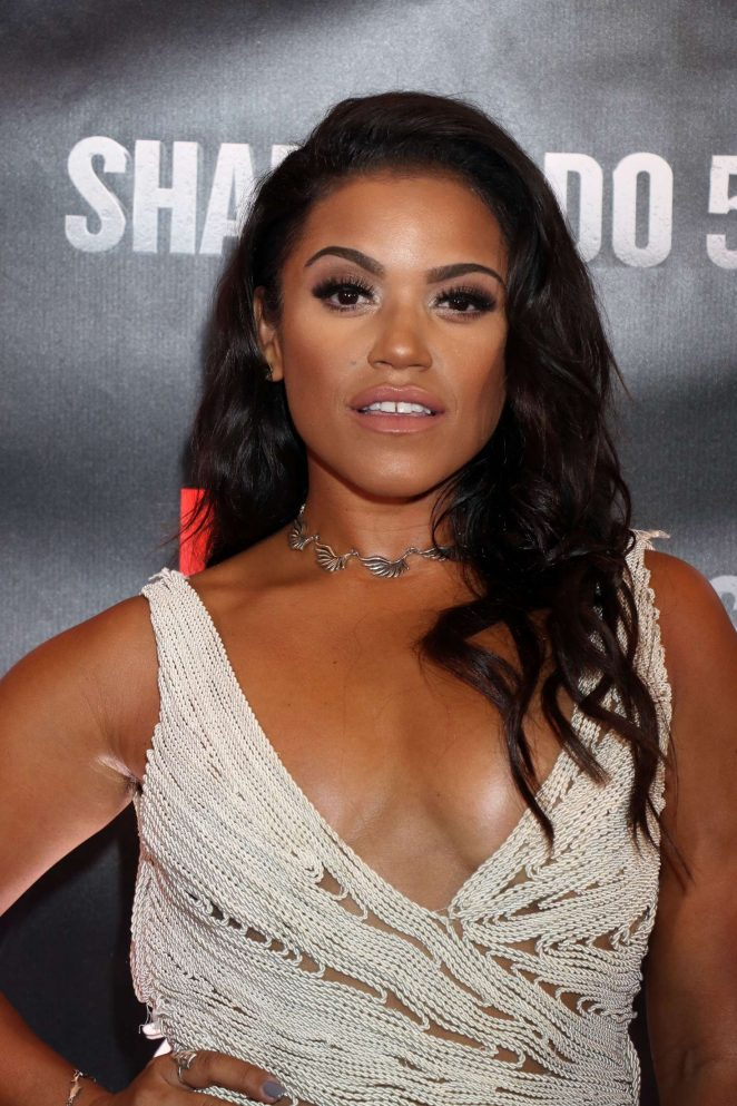 Vivian Lamolli - 'Sharknado 5: Global Swarming' Premiere in Las Vegas