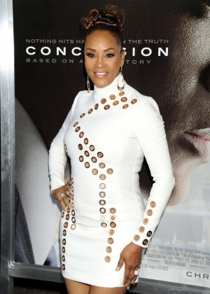 Vivica A Fox - 'Concussion' Premiere in Westwood