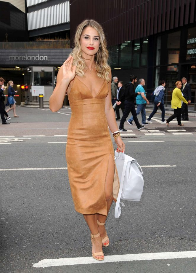 Vogue Williams at The Walkers Crisps Sarnie Club Launch -04
