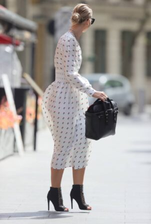 Vogue Williams - Stuns in Polka dot dress for Global radio podcast in London