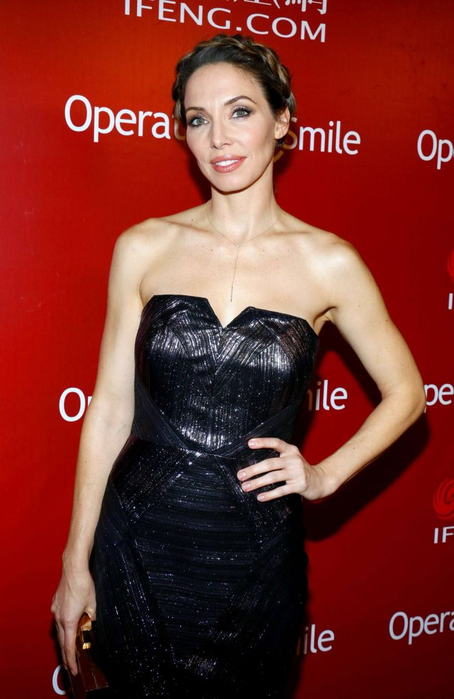 Whitney Cummings – Operation Smile Host Annual Smile Gala 2016 in Beverly Hills
