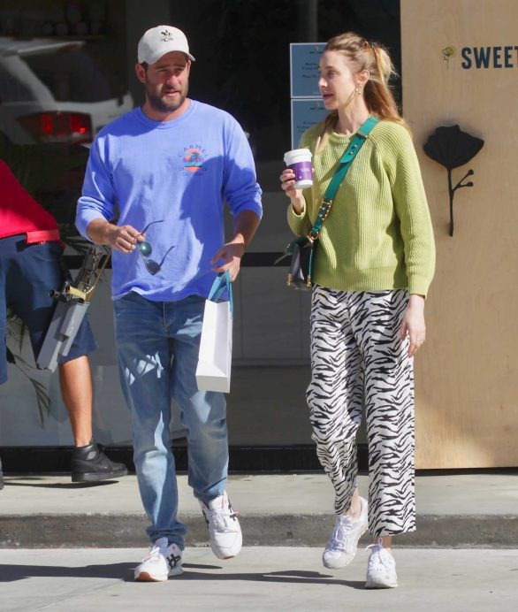 Whitney Port and husband leave Sweet Flower dispensary in Los Angeles