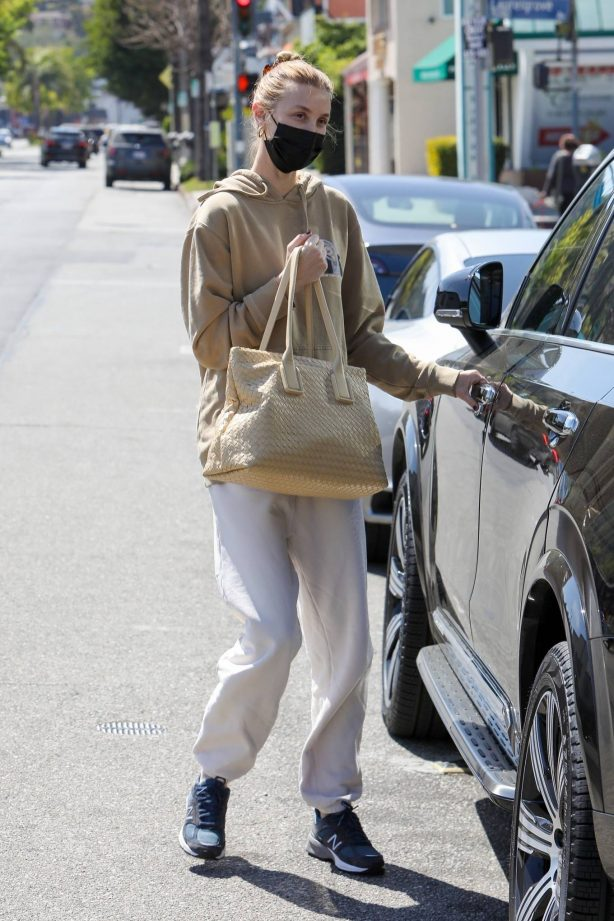 Whitney Port - Spotted after her visit dentist's office in Studio City
