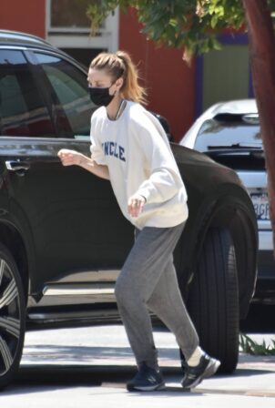 Whitney Port - Steps out for shopping in Studio City