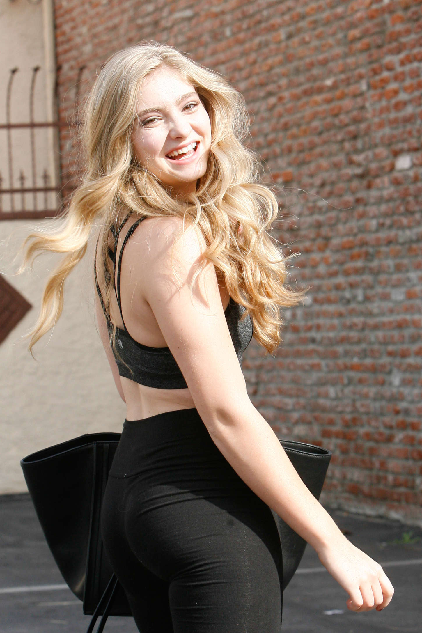 Willow Shields in Leggings at DWTS Rehearsal Studio -11