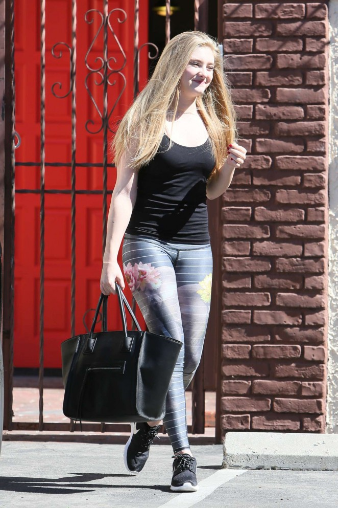 Willow Shields in Tights at DWTS Rehearsal Studio -02