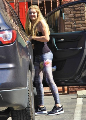 Willow Shields in Tights at DWTS Rehearsal Studio -31
