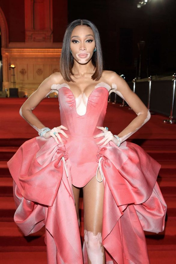 Winnie Harlow - Fashion Awards 2019 i London