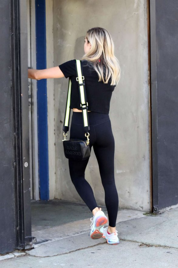Witney Carson 2019 : Witney Carson – Heading into the dance studio in LA-03