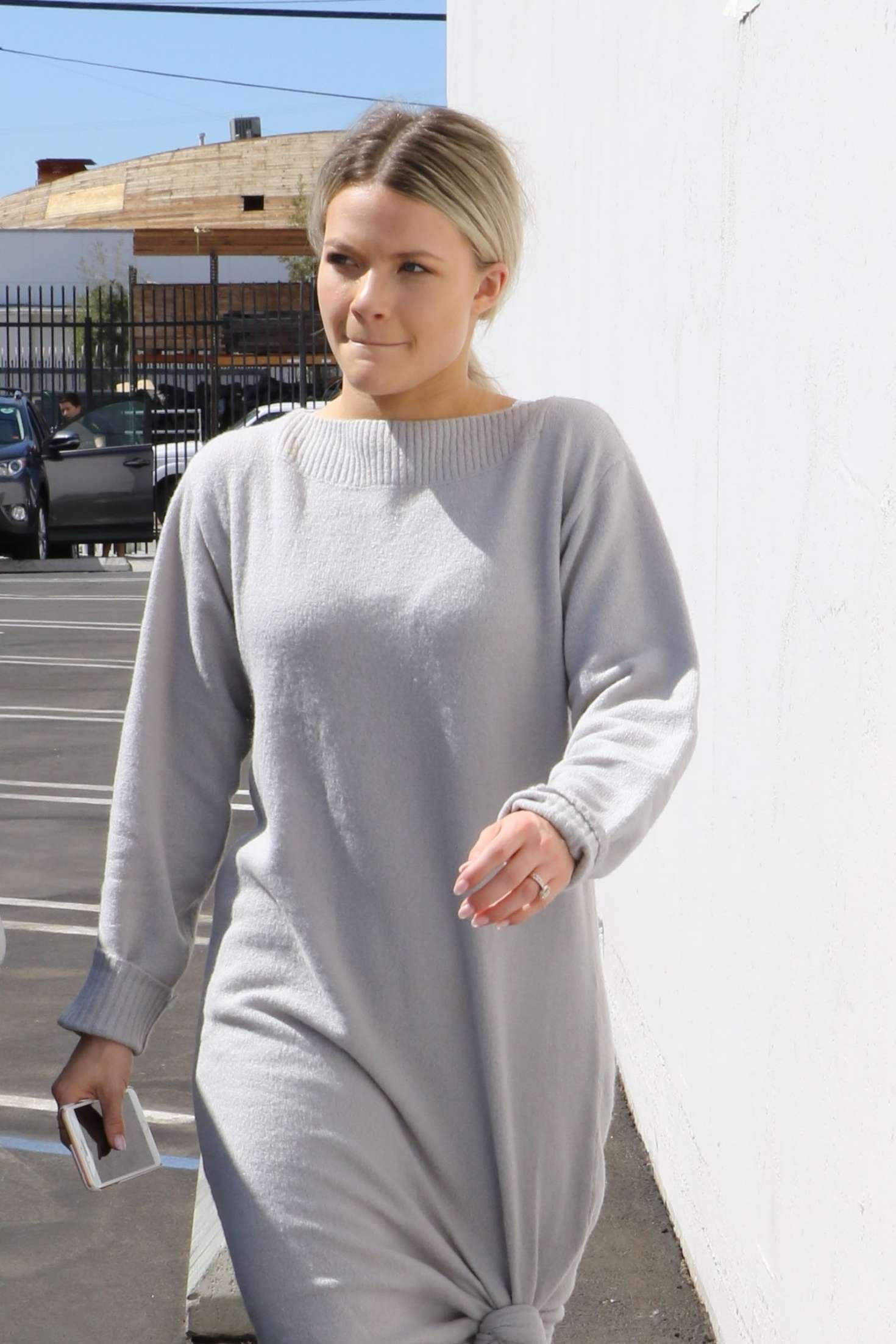 Witney Carson 2018 : Witney Carson: Heads at DWTS studios -01