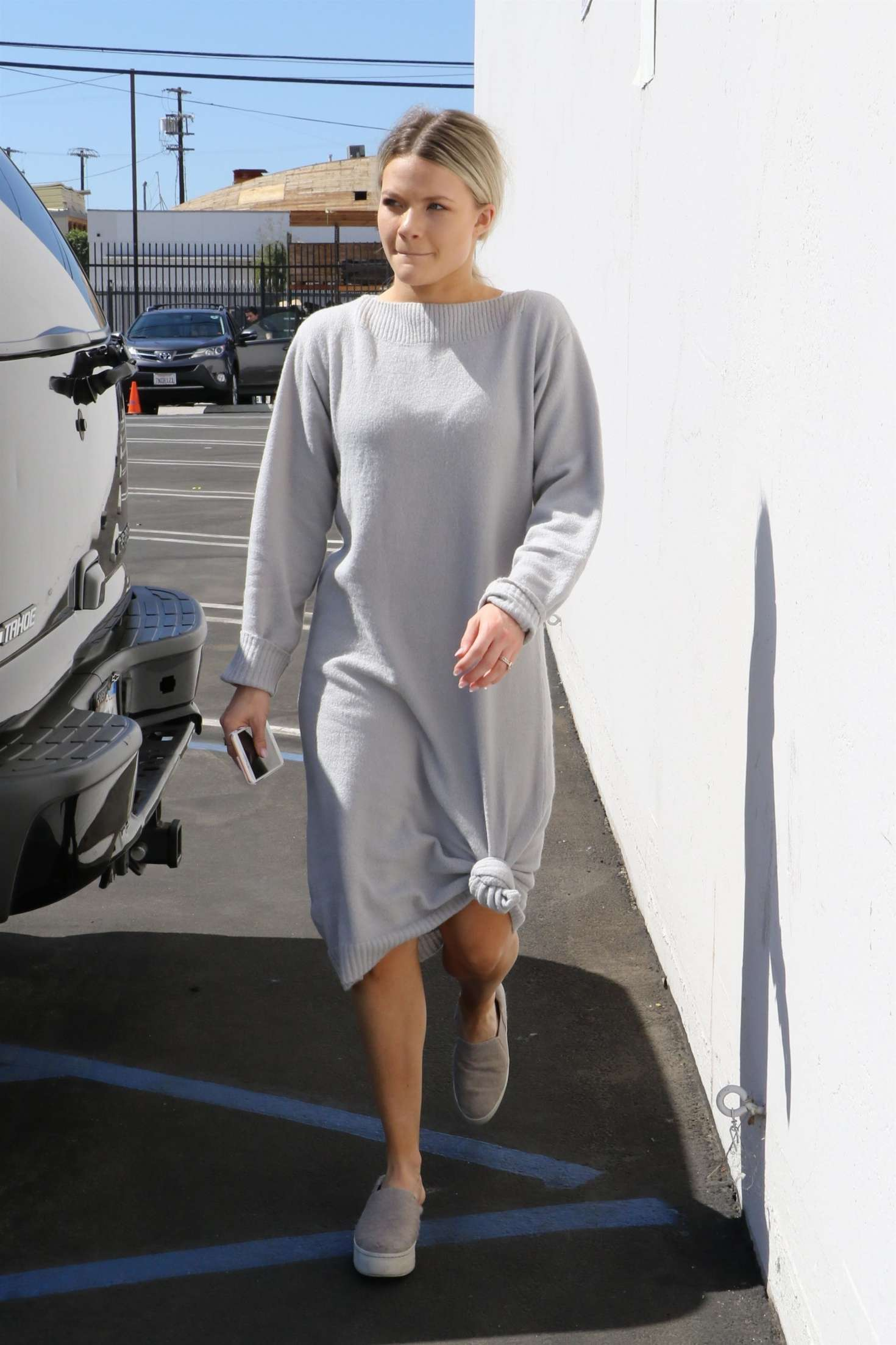 Witney Carson 2018 : Witney Carson: Heads at DWTS studios -04