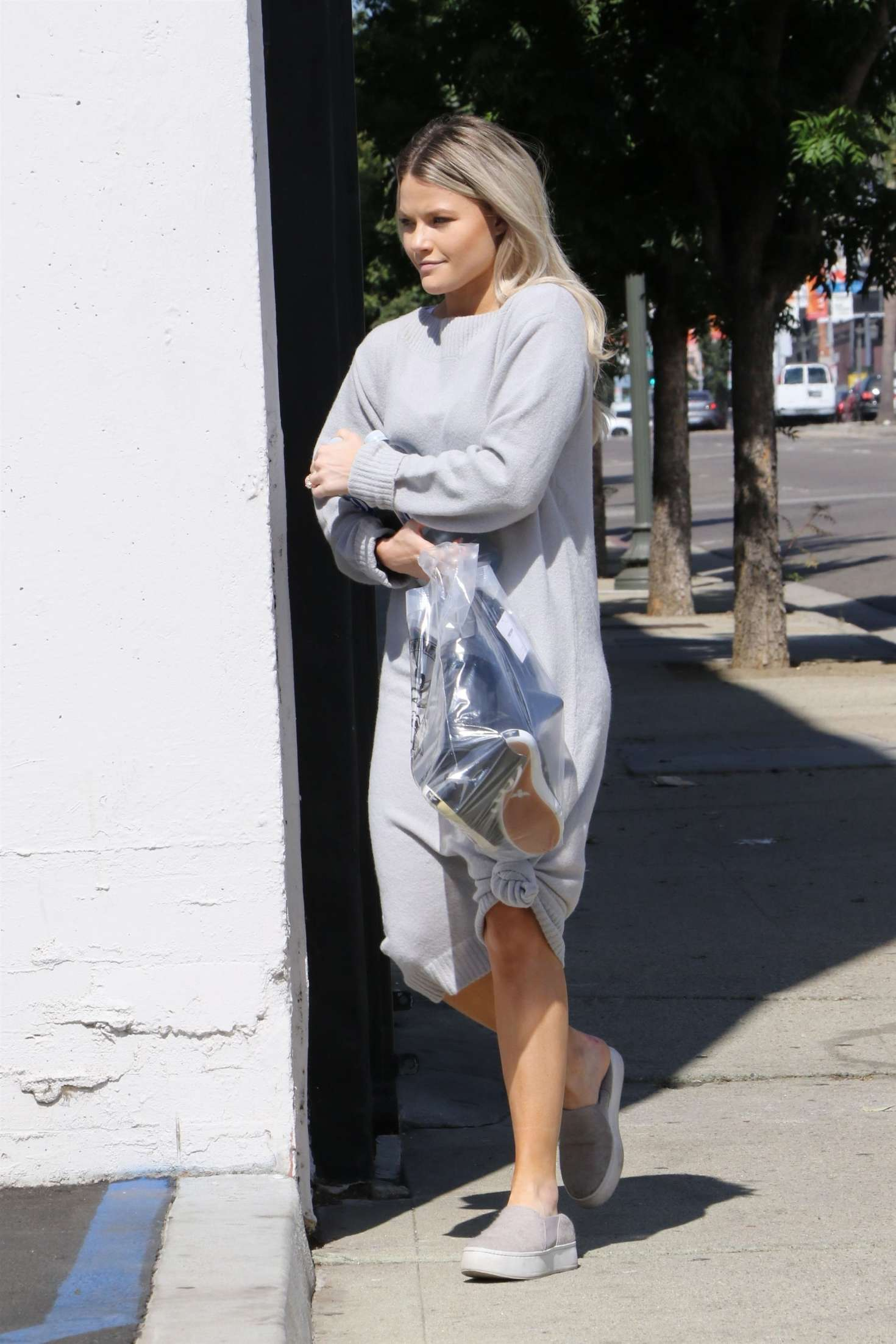 Witney Carson 2018 : Witney Carson: Heads at DWTS studios -06