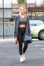 Witney Carson - Outside the studio in Los Angeles