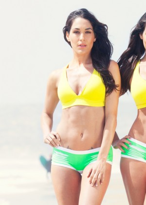 WWE Divas - Divas Beach Photos