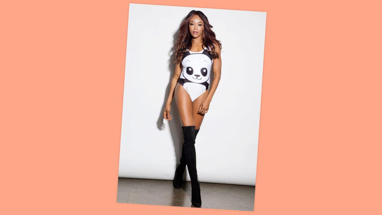 WWE 2015 : WWE Divas Photoshoot: Beautiful and Bold -09