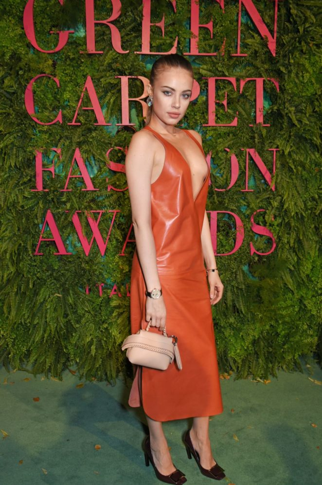 Xenia Tchoumitcheva – Green Carpet 2017 Fashion Awards in Italia