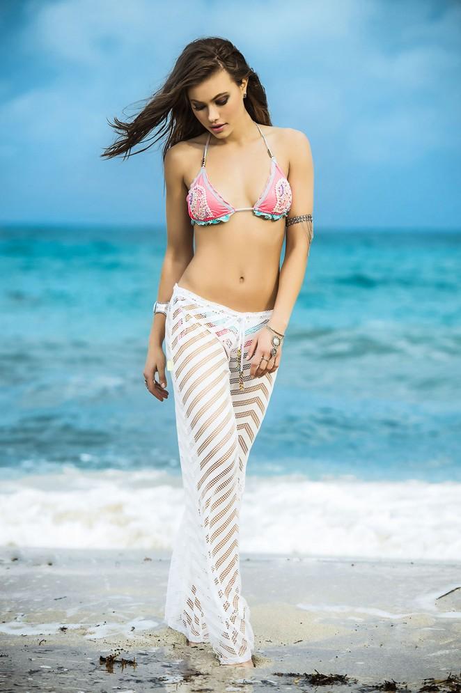 Yara Khmidan: Mar de Rosas Swimwear 2016 -67